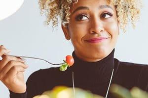 Výživa: Čo jesť a čomu sa vyhýbať, aby ste sa zbavili akné