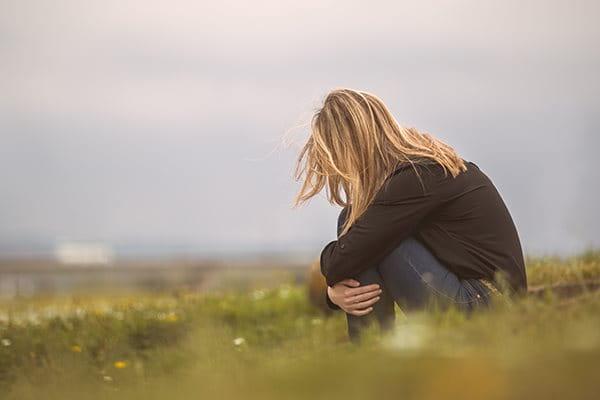 Welche Auswirkungen hat Akne auf die Psyche?