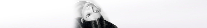 Frau mit schütterem Haar