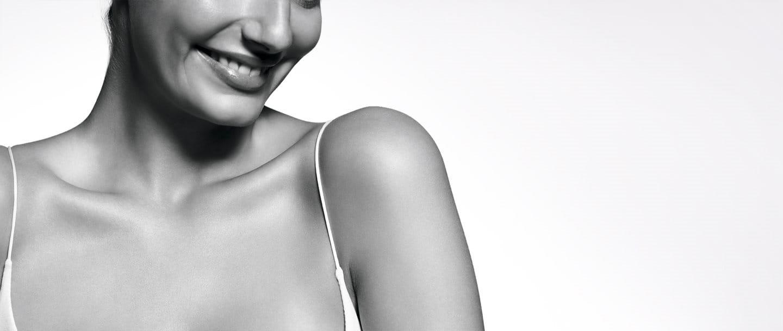 Mujer con piel sensible
