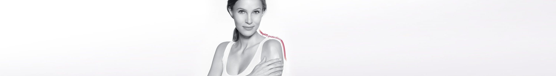 Žena nanosi Eucerin pH5 losion za osetljivu kožu