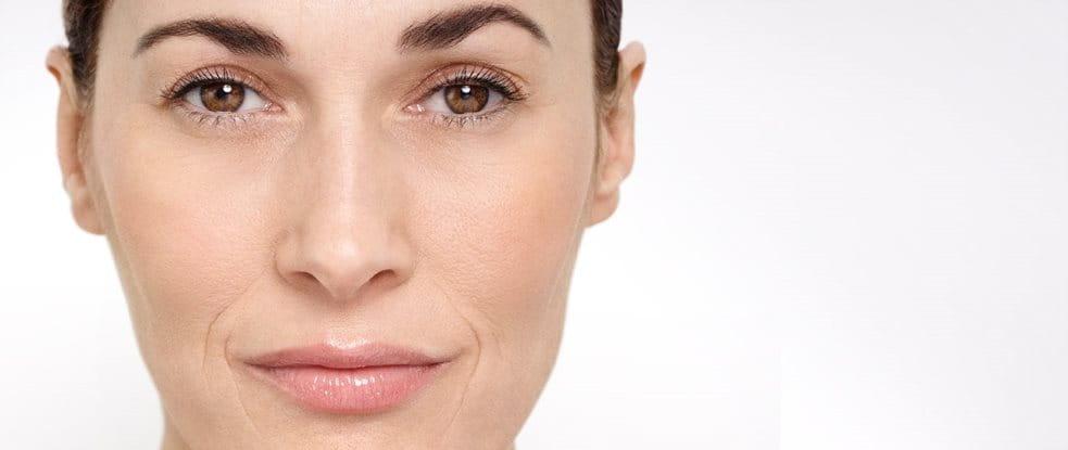 Cận cảnh gương mặt của người phụ nữ