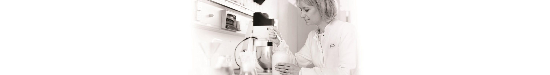 Mulher cientistas no laboratório